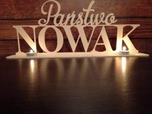 podswietlany napis na stol weselney-drewniany napis na wesele-napis z grawerem-grawerowanie-napisy weselne-napisyweselne-dekoracje weselne