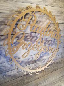 koło z liśćmi na wesele, koło liście na wesele, dekoracje weselne, inspiracje weselne, napisy weselne, koła na ścianki, koła na ścianki
