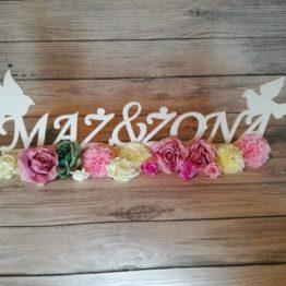 mąż i żona na wesele, napis mąż i żona, wesele, stół weselny, gołębie, gołębie na wesele, dekoracje weselne, inspiracje weselne, napisy weselne