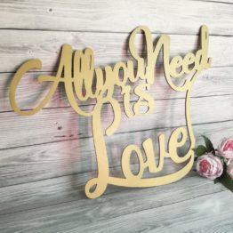 napis all you need is love, all you need is love, napis na wesele, napisy na wesele, napisy ślubne, all you need is love na wesele, dekoracje na wesela, jak udekorować salę weselną