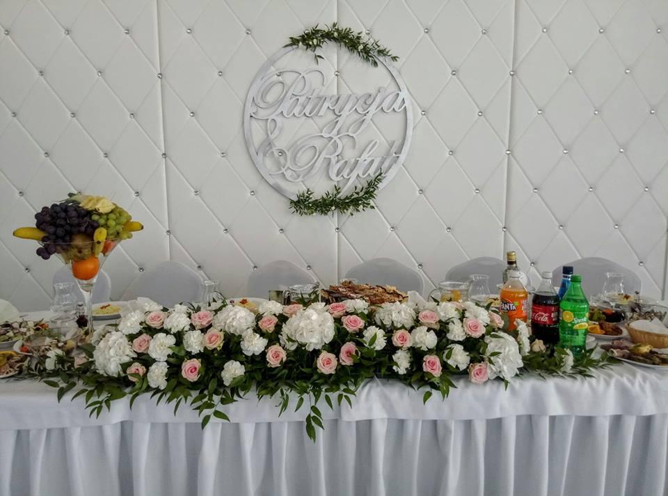 koła na wesele, dekoracje na wesele, napisy na wesele, napisy ślubne, napisy weselne, cuda z drewna, dekoracje weselne