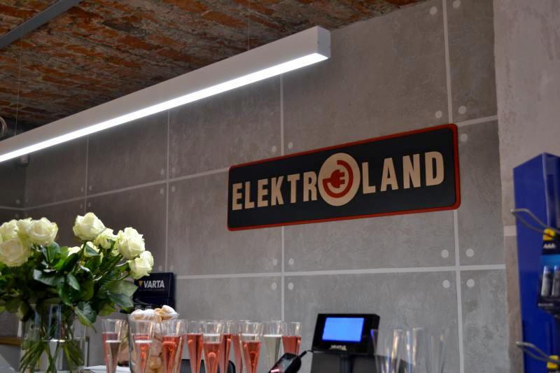 logo firmowe na ścianę radom, logo do wewnątrz radom, logo radom, kaseton radom, drewniane reklamy radom, drewniana reklama radom
