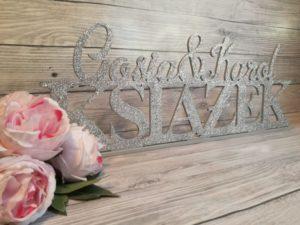 dekoracje weselne, dekoracje na wesele, dekoracja wesela, jak udekorować salę weselną, jak udekorować wesele, napisy na wesele, napisy weselne, cuda z drewna, napisy ślubne,